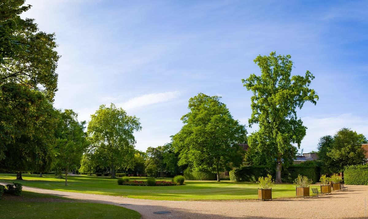 Jardin du château de Montigny-le-Gannelon